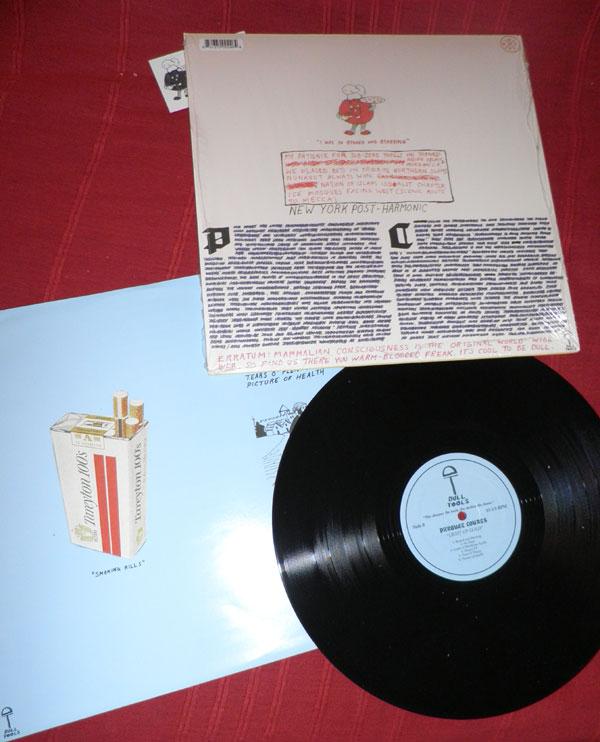 y a pleind e titres mais l'album est très courts, -parquets? -no lo so. (note: j'ai fait allemand deuxième langue)...