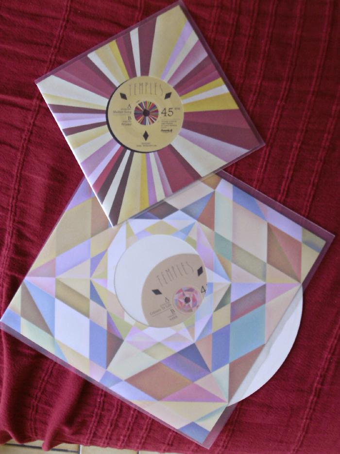 ils sortent des vyniles, pas des cds ni des ta(m)p(l)es